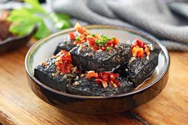 <b>黑色经典长沙臭豆腐加盟品牌怎么样?加盟有哪些优势呢</b>